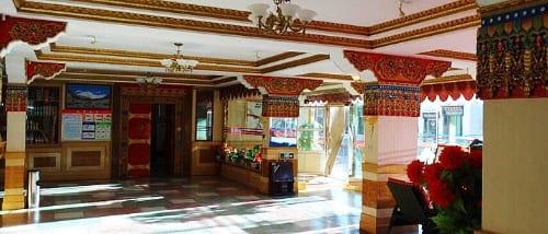 Everest Hotel 2