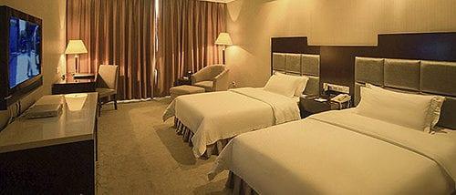 Phoenix Grand Hotel 3