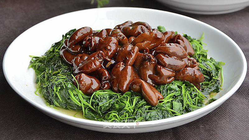 Shanghai Dish Braised Pork Intestines With Alfalfa