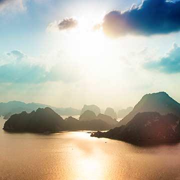 9 Days North Vietnam Explorer Tour & Halong Bay Cruise